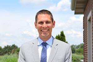 Dr Robert Pieters